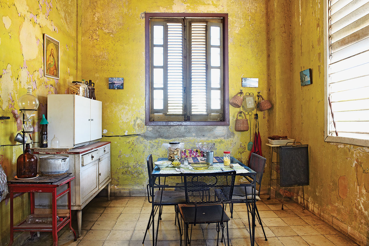 modern-yellow-wall-design-of-the-gallery-kitchen-ideas-can-be-decor ...