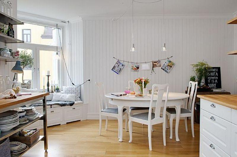 spacious-apartment-reading-corner