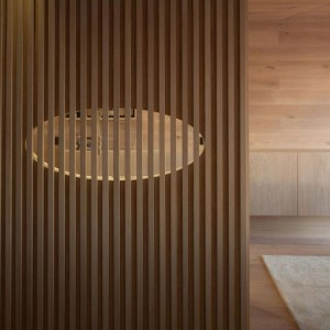 Seafront-Oak-Wood-Themed-Apartment-by-Pitagoras-Group-06-768x512